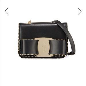 Salvatore ferrágamo vara studded leather bag